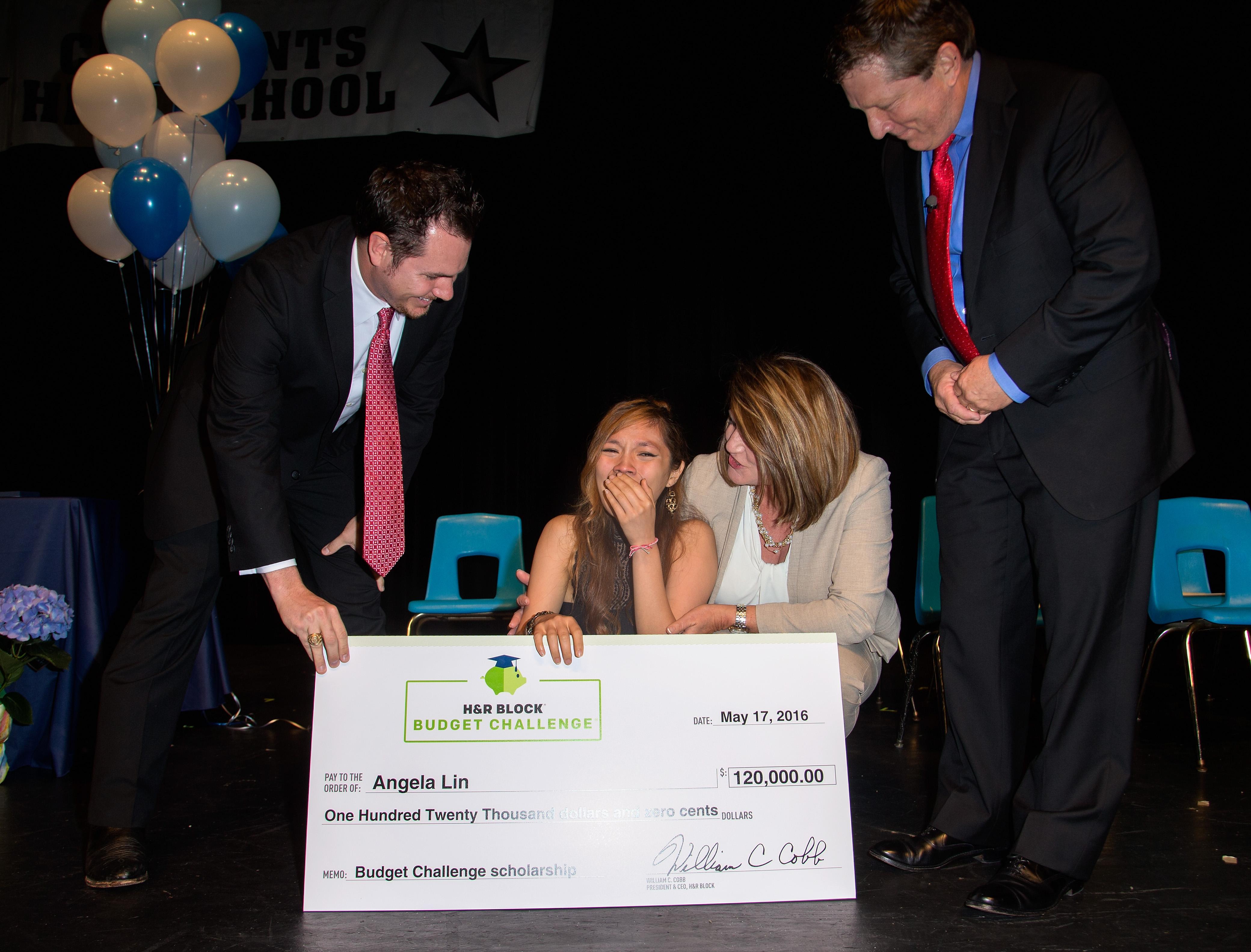 Teen Wins Financial Literacy Scholarship