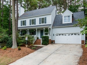 Now Showing: Move Right in to Three Bedrooms in Holly Springs