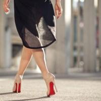 Вдъхновени от обувките с червени подметки на Кристиан Лубутен