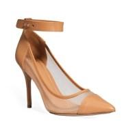 Разпродажба на обувки и сандали от онлайн аутлета на Mango