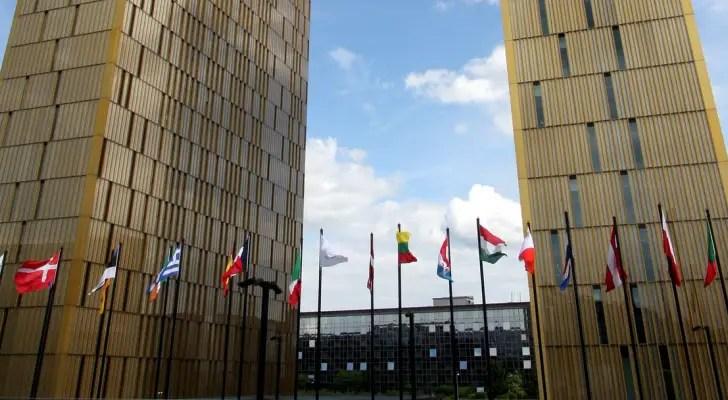 EU lawyer backs workplace ban on Muslim headscarves