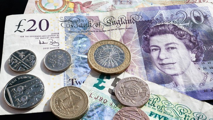 Christmas Day workers' pay lower than decade ago, finds TUC