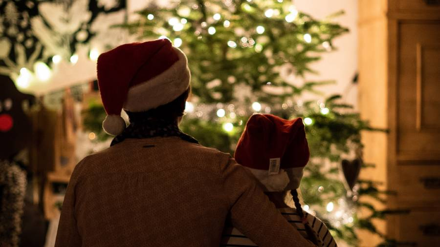 A fifth of workers plan to check out of work for Christmas earlier this year