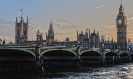 """""""Businesses need to know about Universal Credit's benefits"""", says Damian Hinds"""