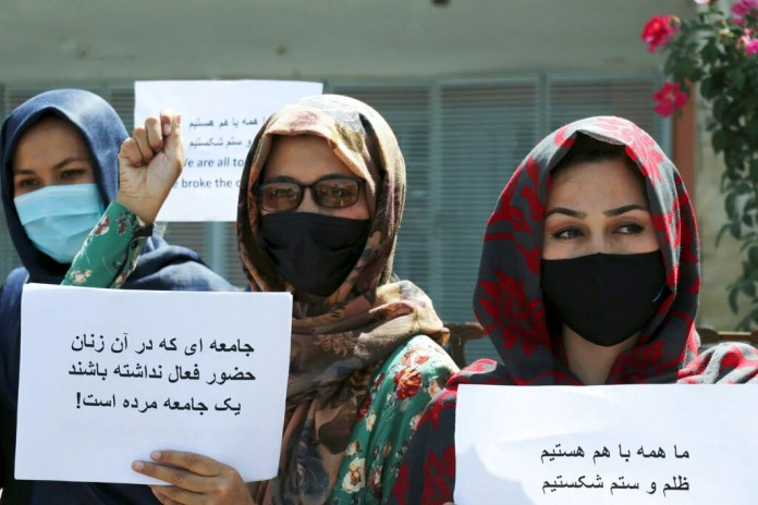Afghan Women Protest Against Taliban Restrictions | Human Rights Watch