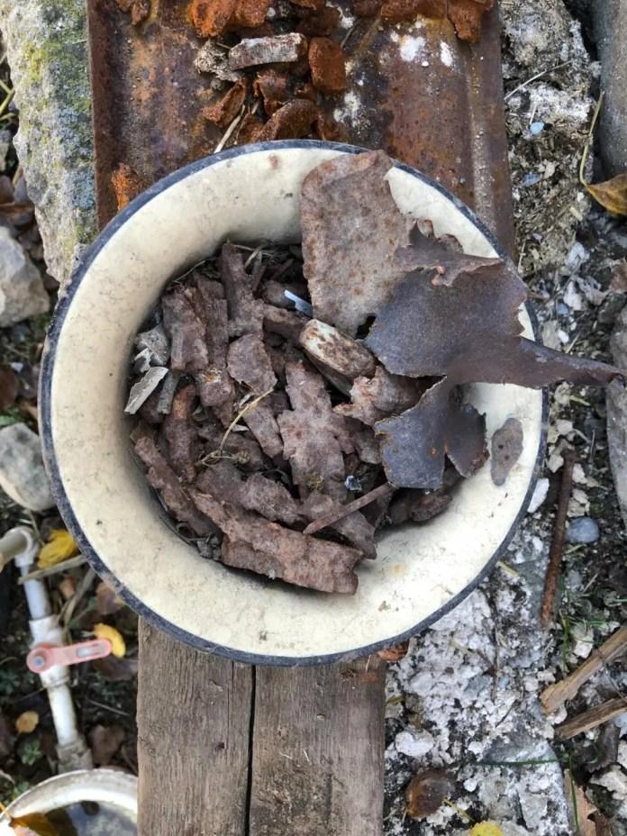 Fragmentos de munições em uma tigela