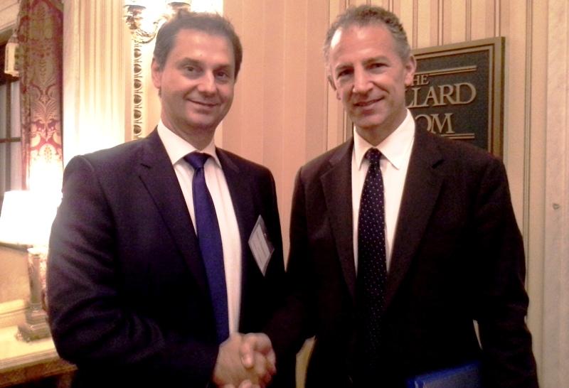 Με τον Jonathan Cohen υφυπουργό Εξωτερικών αρμόδιο για τα ευρωπαϊκά θέματα