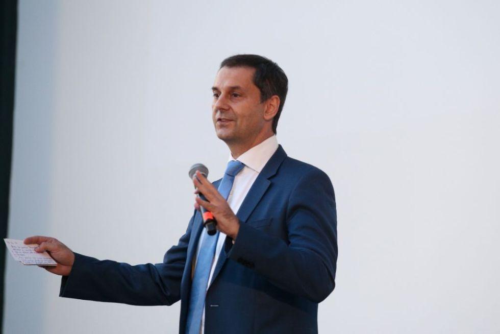 Χάρης Θεοχάρης στο In.gr: Πως θα ανοίξει το τουρισμός, τα σχέδια για την στήριξη του κλάδου