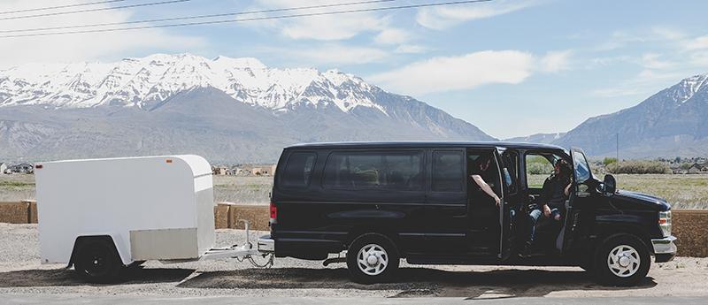 van pulling trailer