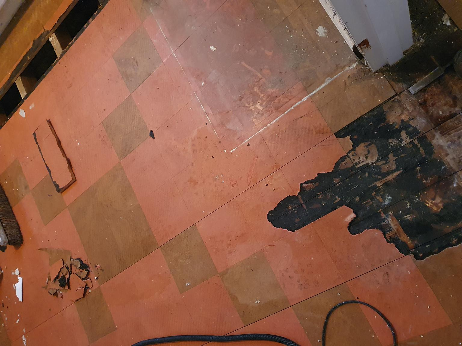 it cost to remove tile flooring uk
