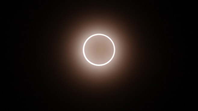how to fix your eyes from a solar eclipse