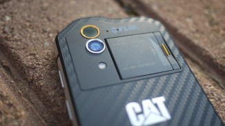 The thermal and 13MP are located at the rear of the phone.