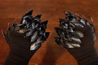 The Lord of the Rings Witch King Gauntlets Pic 8