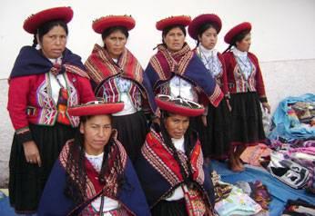 Nustas desde el cusco se encuentran en el Parque de la cultura de Huaral