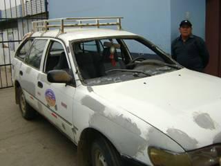 Auto donde se traslado la policía de Acos