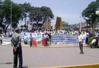 Se concentraron en la Plaza de Armas de Huaral.