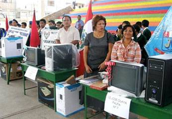 70 computadoras, que serán distribuidas en 45 instituciones educativas