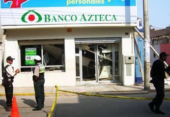 Local Banco Azteca.