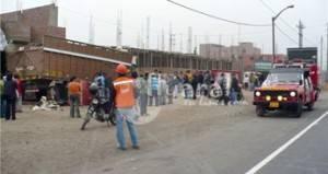 Al lugar llegó los bomberos quienes trasladaron al herido.
