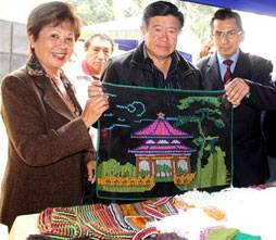 Consejera Regional Nelly Tang y el Presidente Regional Nelson Chui Mejía.