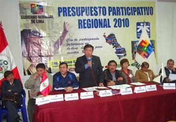 Presidente Regional junto a los nueve consejeros de la región Lima.