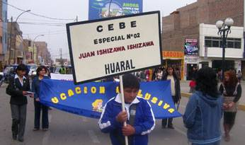 Alumnos del CEBE Especial Nº 2 Juan Ishisawa Ishisawa.