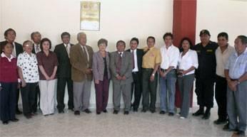 La consejera regional Nelly Tang Sánchez, Alcalde distrital de San Miguel de Acos, William Ramos Pariasca; el alcalde Provincial Jaime Uribe Ochoa, Profesores y Dirigentes de diversas comunidades de la parte alta.