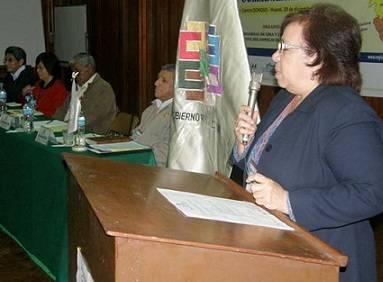 Magister Sonia Arce.