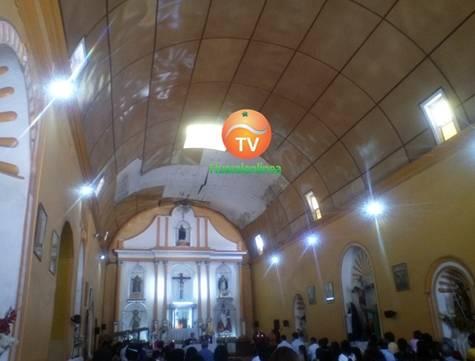 Techo de la iglesia matriz de Huaral en peligro de caer sobre los feligreses