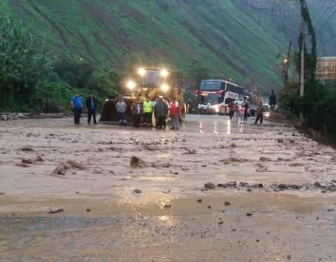 Recomiendan ruta alterna de Huaralante cierre de Carretera Central por lluvias intensas