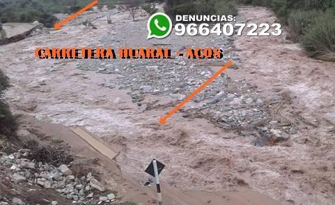 Huayco destruye carretera Huaral - Acos y aisla a los pueblos andinos