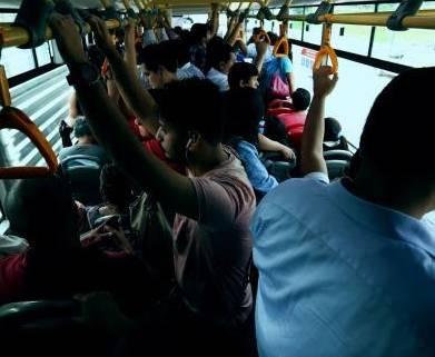Plantean vagones y buses exclusivos para mujeres a fin de evitar acoso y tocamientos