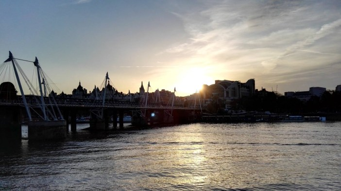 London_HuaweiP8_Sunset_Meidl