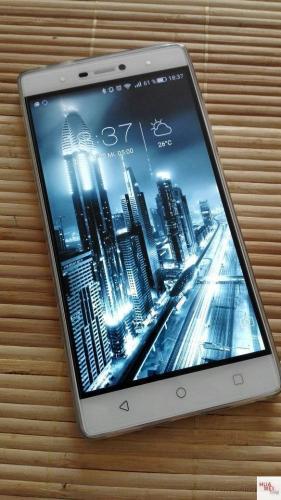 P8-Touch-Plus-Glas