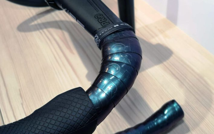 A comfy handlebar with cushioned tape