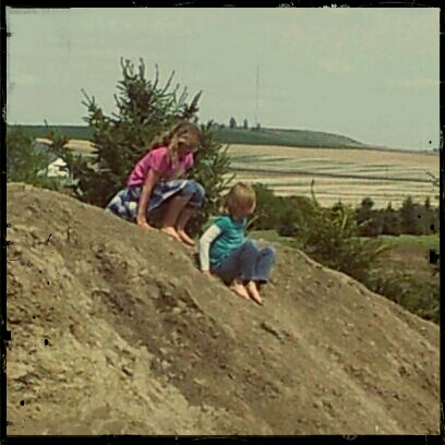 Heidi an Kiersten on the dirt hill