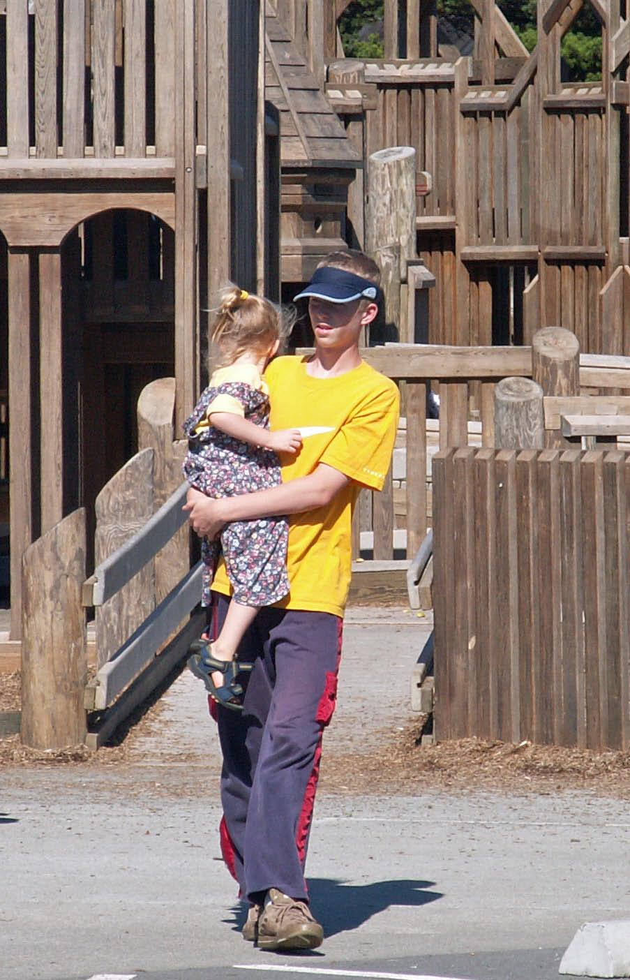 picture of Layne and Mikaela at playground