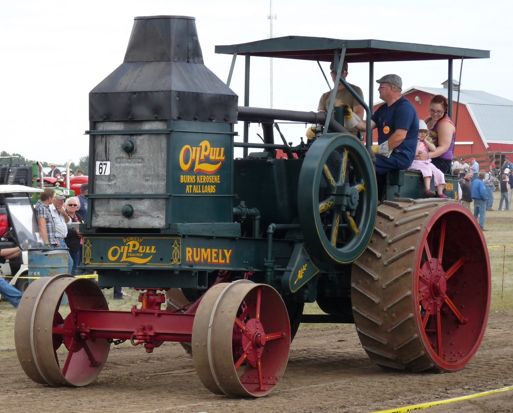 picture of Rumely Oil Pull tractor