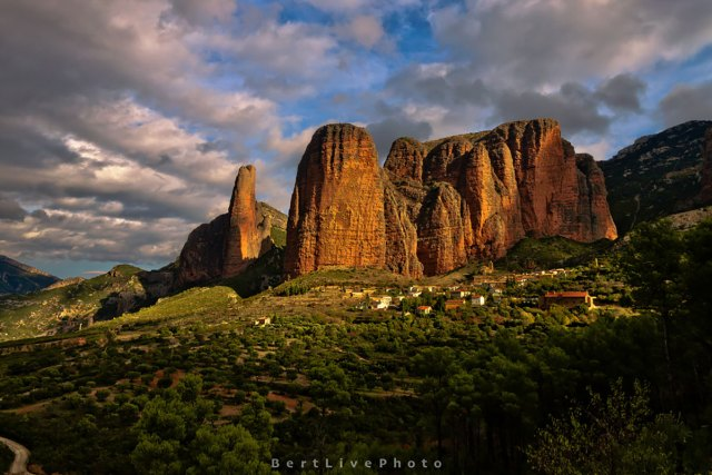 Mallos de Riglos de Albert Batlle Rico (https://www.flickr.com/photos/bertlive/)