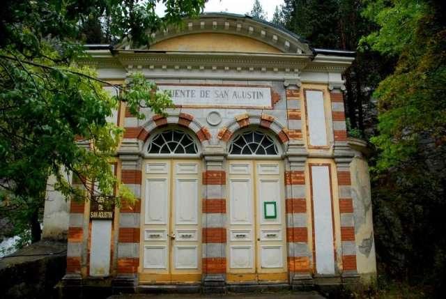 fuente de San Agustín de Hoteles en el Pirineo Hotel Tierra de Biescas en Flickr