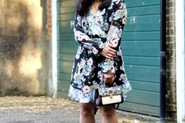 Summer dressing, British summers, summer florals, ruffle dress, how to wear florals this summer, UK bloggers,