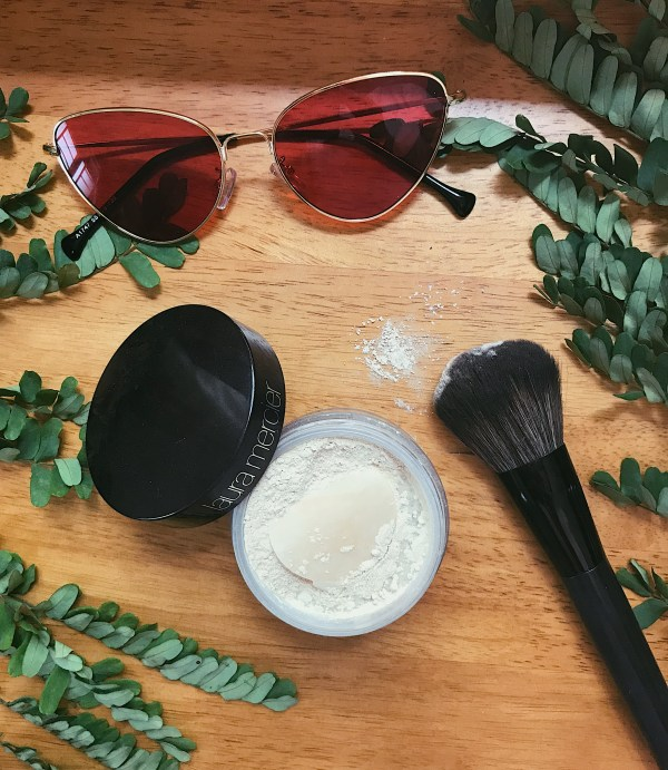 Sweat proof makeup tips for summer, Laura mercies loose translucent powder