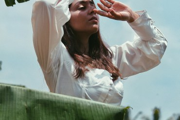 Styling the perfect Summer white top, Urth Label Lily white top