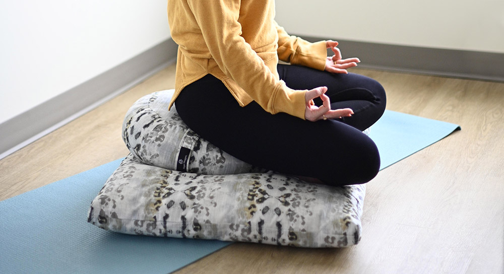 choose a meditation cushion or bench