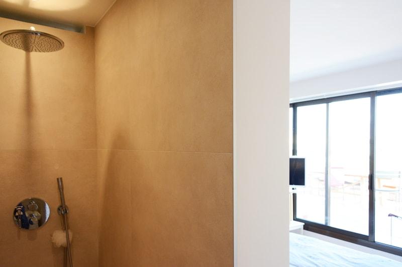 Création d'une salle d'eau attenante à la chambre