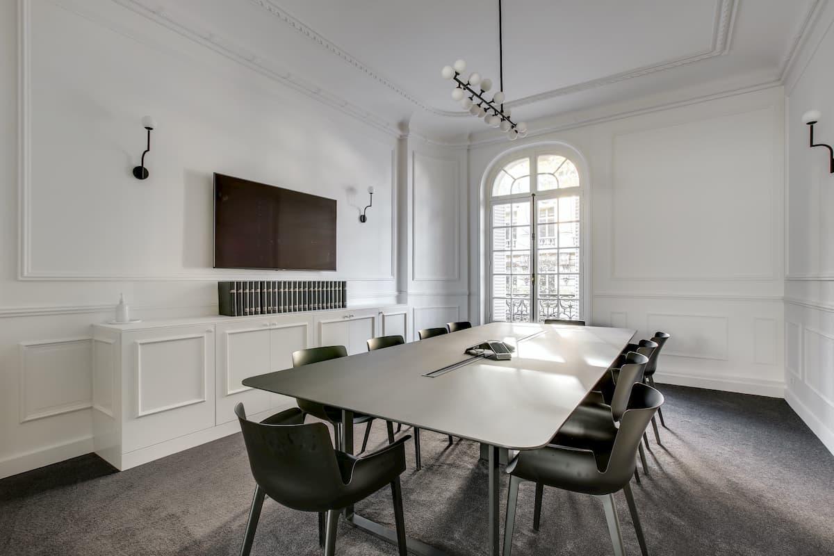 Salle de réunion + Vision conférence | Rénovation des bureaux pour un cabinet d'avocats