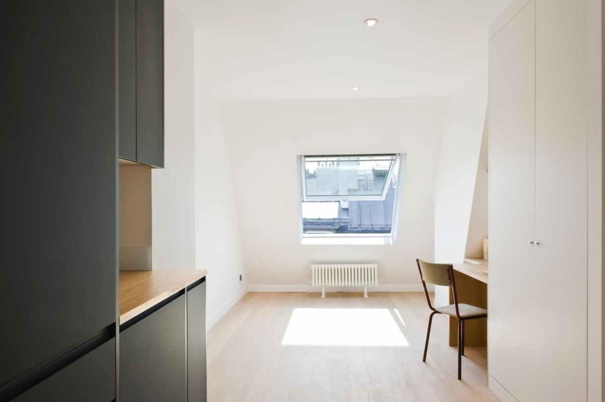 Appartement rénové sous les toits