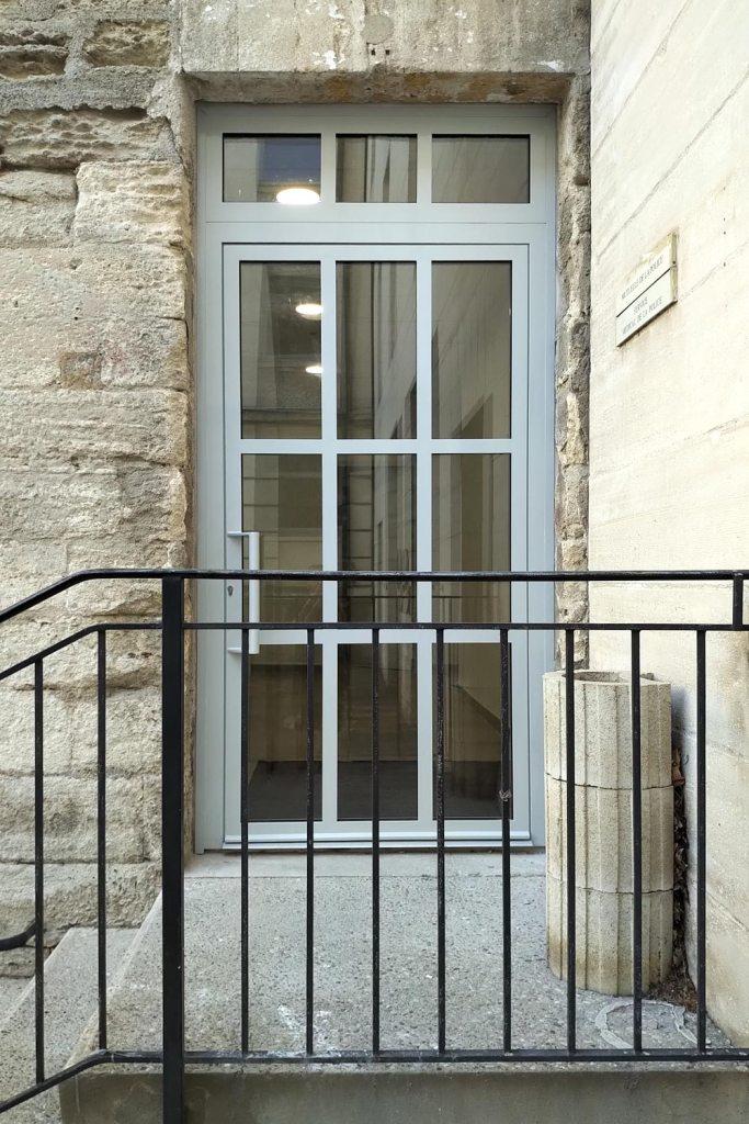 Porte acier aux normes PMR - Avignon 84