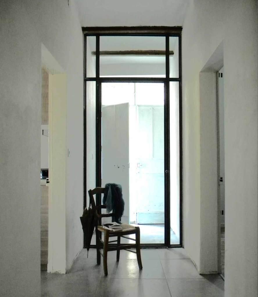 Verrière avec porte sas d'entrée – Remoulins 30