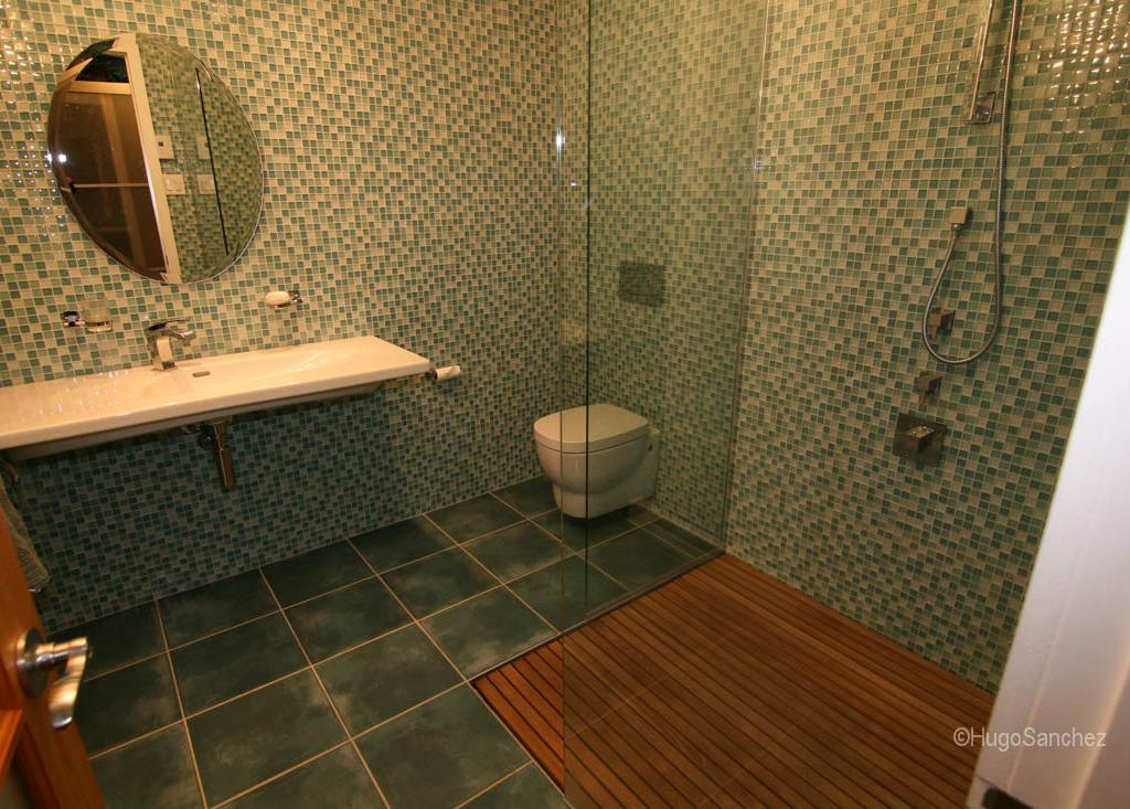 Duckboard Shower Cramiques Hugo Sanchez Inc